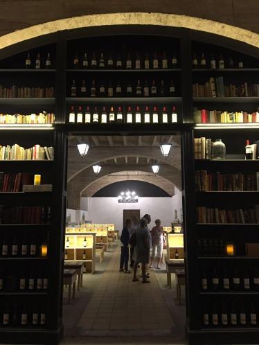 4. Biblioteca botellero