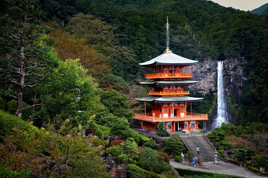 Pagoda Sanjüdö. Templo de NachiTaisha. Kumano -kodo. Japon